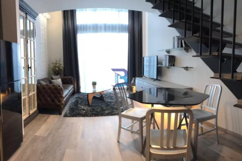 Condominium for Rent at The Loft Ekkamai