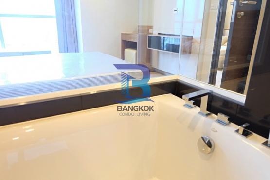 Bangkok Condo Living RT SathornIMG_8683