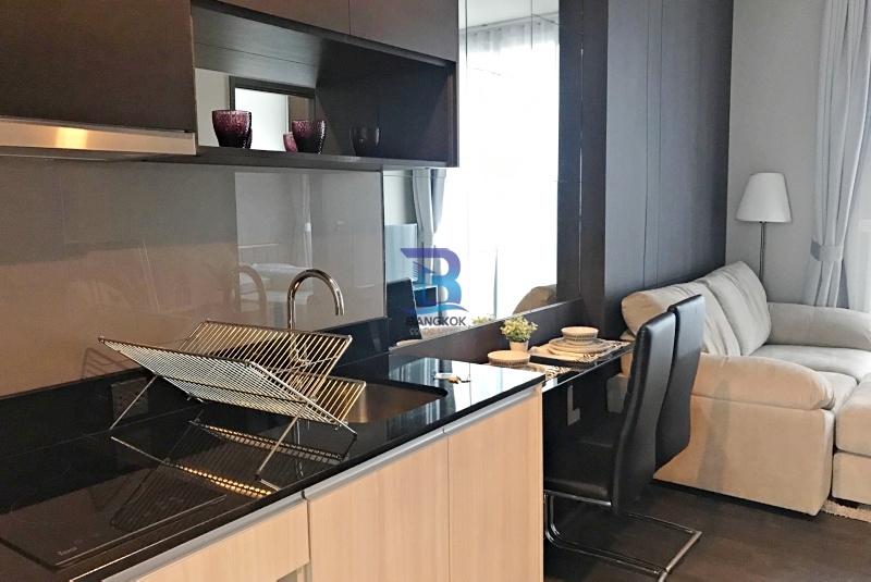 Condominium for Rent at Edge Sukhumvit 23
